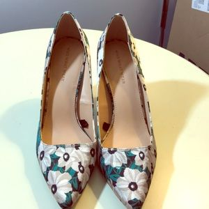 Who what wear green floral pumps 9.5